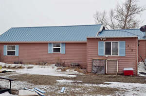 Featured Property in Rock River, WY 82083