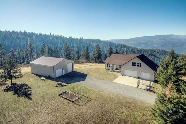 Single Family for Sale at 11470 S Carlin Bay Rd Harrison, Idaho 83833 United States