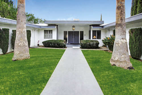 Single Family for Sale at 360 Kempton Glendale, California 91202 United States
