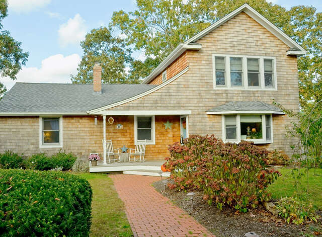 Single Family for Sale at 21 Bishop Pl Westhampton Beach, New York 11978 United States