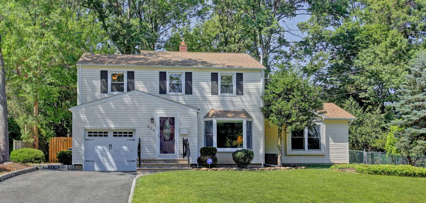 Single Family for Sale at 835 Coolidge St Westfield, New Jersey 07090 United States