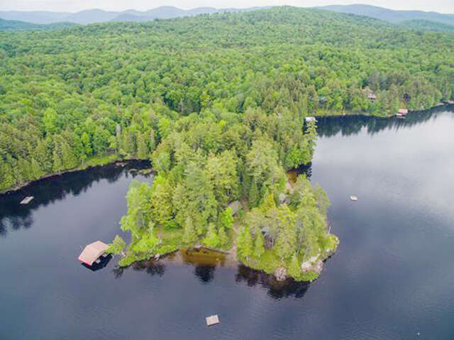 Single Family for Sale at 10 Eagle Way Long Lake, New York 12847 United States