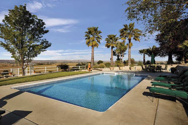 Single Family for Sale at 5330 Dana Lane Templeton, California 93465 United States