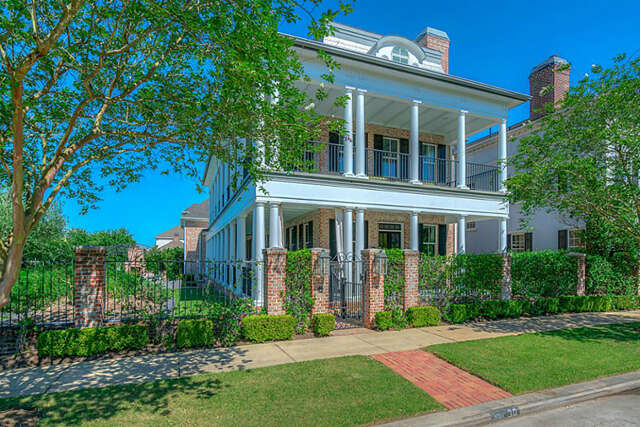 Single Family for Sale at 30 East Bay Boulevard The Woodlands, Texas 77380 United States
