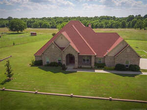 Featured Property in Wagoner, OK 74467