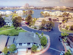 Featured Property in Foster City, CA 94404