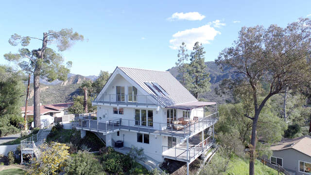 Single Family for Sale at 1917 Flathead Trail Agoura Hills, California 91301 United States