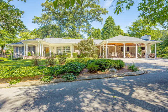 Single Family for Sale at 1670 Riverview Rd Chattanooga, Tennessee 37405 United States