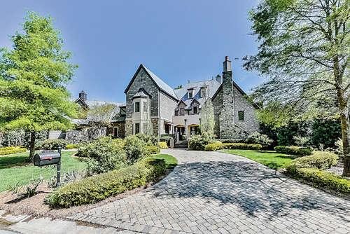 Single Family for Sale at 8712 Chewton Glen Drive Waxhaw, North Carolina 28173 United States