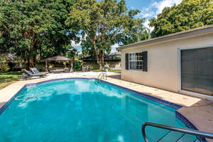 Featured Property in Wellington, FL 33414