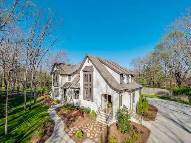 Single Family for Sale at 221 Stephenson Ave Lookout Mountain, Tennessee 37350 United States