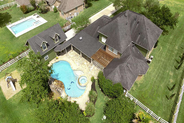 Single Family for Sale at 4042 Ravenwood Court Pearland, Texas 77584 United States
