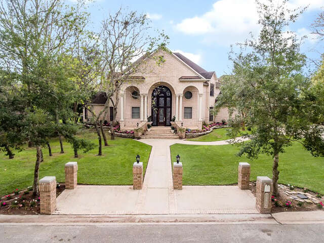 Single Family for Sale at 3206 Nottingham St Pearland, Texas 77581 United States