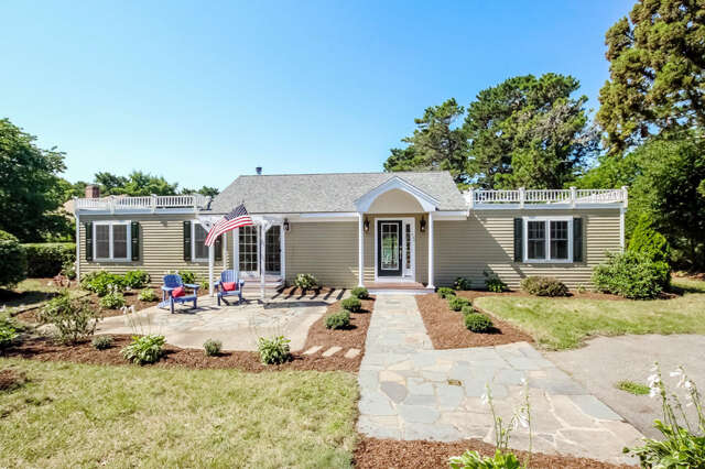 Single Family for Sale at 157 Abbey Gate Cotuit, Massachusetts 02635 United States