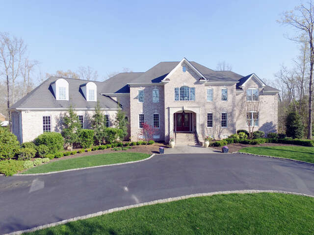Single Family for Sale at 10148 Lynn Hill Court Mechanicsville, Virginia 23116 United States