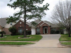 Featured Property in HOUSTON, TX, 77064