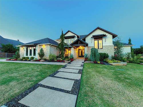 Single Family for Sale at 4916 Shades Bridge Road Edmond, Oklahoma 73034 United States