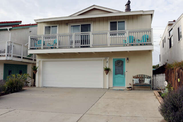 Single Family for Sale at 121 Burbank Ave Oxnard, California 93035 United States