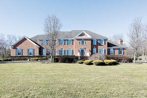 Featured Property in Colts Neck, NJ 07722