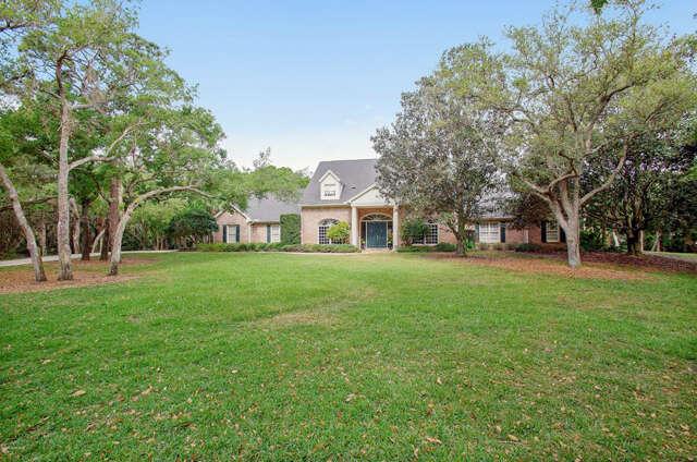 Single Family for Sale at 3930 Hidden Oaks Lane Melbourne, Florida 32934 United States