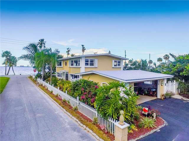 Single Family for Sale at 13549 S Indian River Drive Jensen Beach, Florida 34957 United States