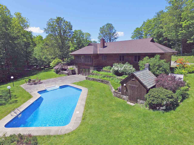 Single Family for Sale at 250 Mill Pond Court Weathersfield, Vermont 05151 United States