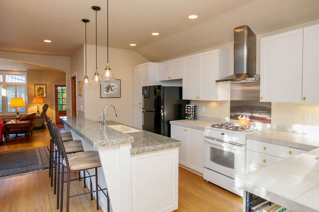 Single Family for Sale at 192 Wood Ave SW Bainbridge Island, Washington 98110 United States