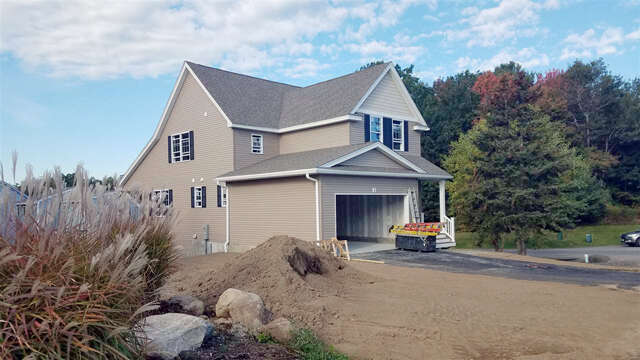 Single Family for Sale at 2 Blossom Lane Stratham, New Hampshire 03885 United States