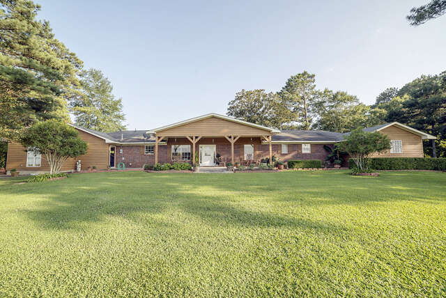Single Family for Sale at 568 Simpson Hwy 28 - Simpson Co Mendenhall, Mississippi 39114 United States