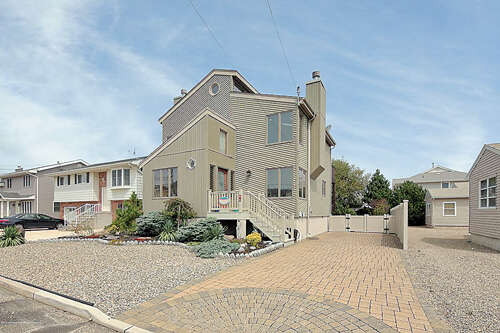 Single Family for Sale at 13 Virginia Avenue Lavallette, New Jersey 08735 United States