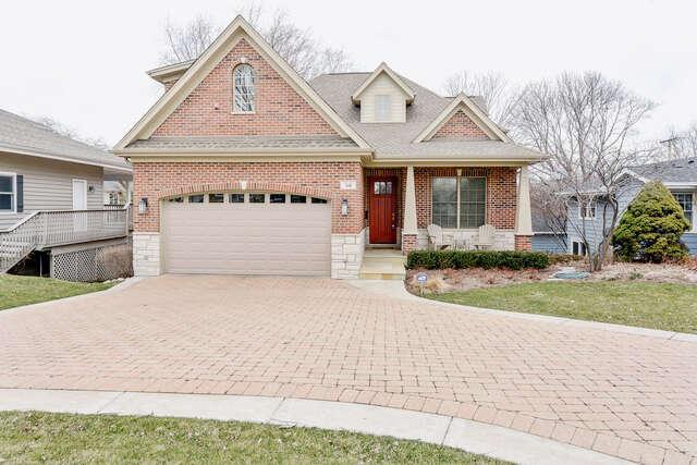 Single Family for Sale at 516 East Hillside Avenue Barrington, Illinois 60010 United States