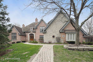 Featured Property in Burr Ridge, IL 60527