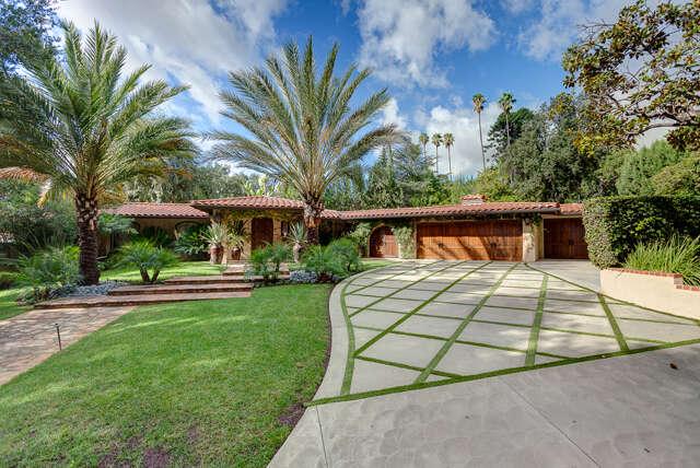 Single Family for Sale at 4435 Encinas Drive La Canada Flintridge, California 91011 United States