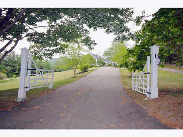 Single Family for Sale at 64 County Road Tuftonboro, New Hampshire 03226 United States