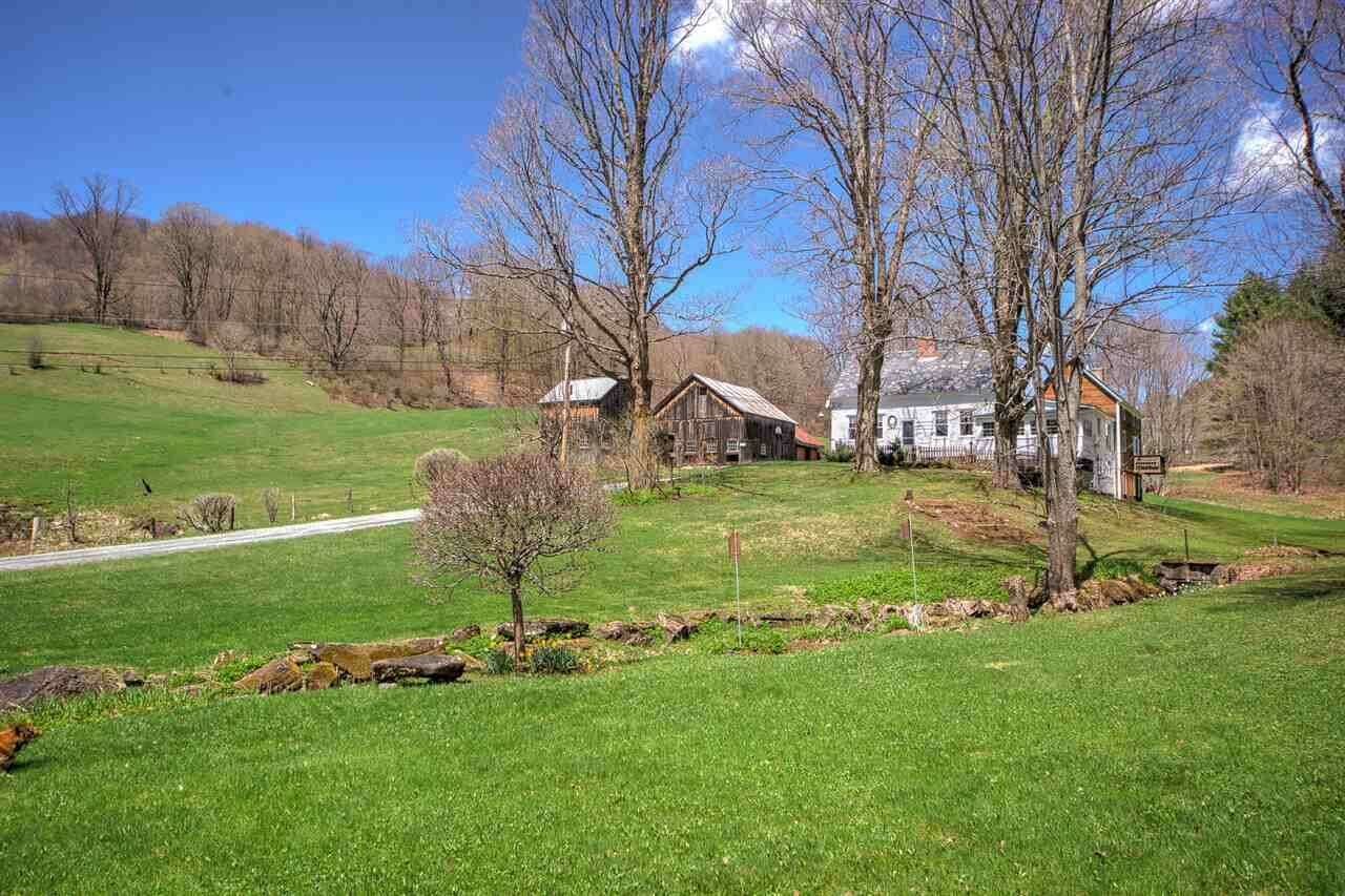 Single Family for Sale at 592 Austin Road Road Woodstock, Vermont 05091 United States