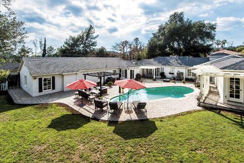 Single Family for Sale at 4700 Oakwood Avenue La Canada Flintridge, California 91011 United States