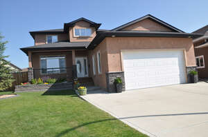 Featured Property in Lacombe, AB T4L 0A5