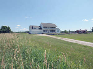 Featured Property in Alburgh, VT 05440