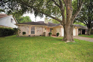 Featured Property in Webster, TX 77598