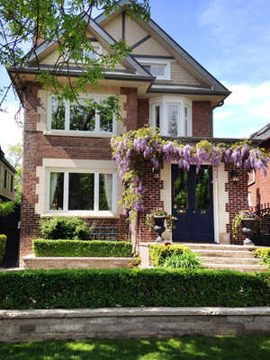 Featured Property in Toronto, ON M4T 1K4