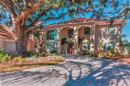 Single Family for Sale at 1443 S Lake Roy Drive Winter Haven, Florida 33884 United States