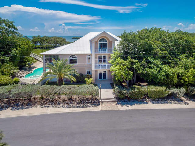Single Family for Sale at 288 South Drive Plantation Key, Florida 33036 United States