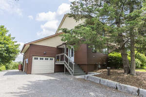 Featured Property in Manotick, ON K4M 0E2