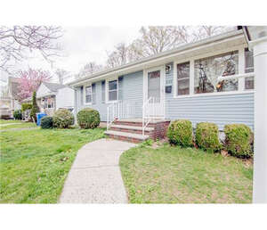 Featured Property in Woodbridge, NJ 07095