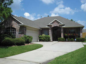 Featured Property in Tomball, TX 77375