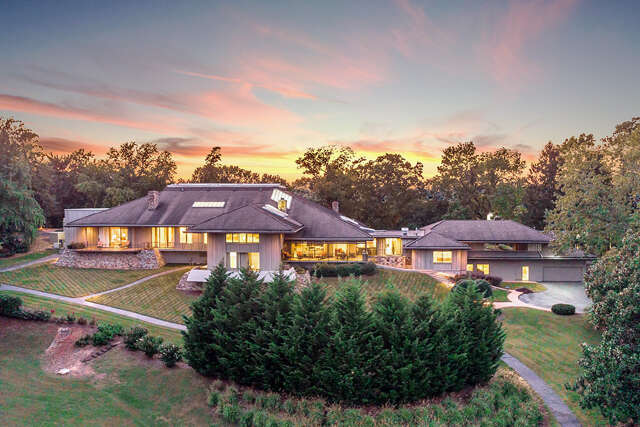 Single Family for Sale at 240 S Crest Rd Chattanooga, Tennessee 37404 United States