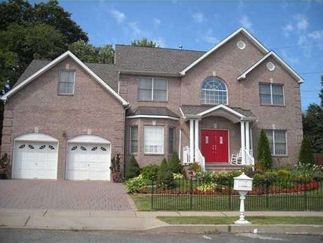 Single Family for Sale at 17 Melbloum Lane Edison, New Jersey 08837 United States
