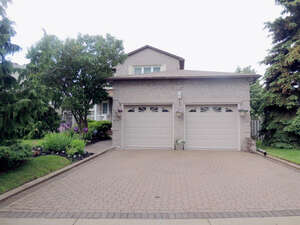 Featured Property in Oshawa, ON L1J 8A8