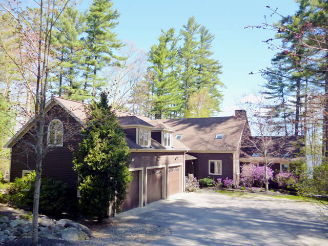 Single Family for Sale at 64 Pipers Point Lane Alton, New Hampshire 03809 United States