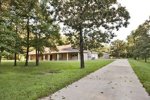 Featured Property in Montgomery, TX 77316
